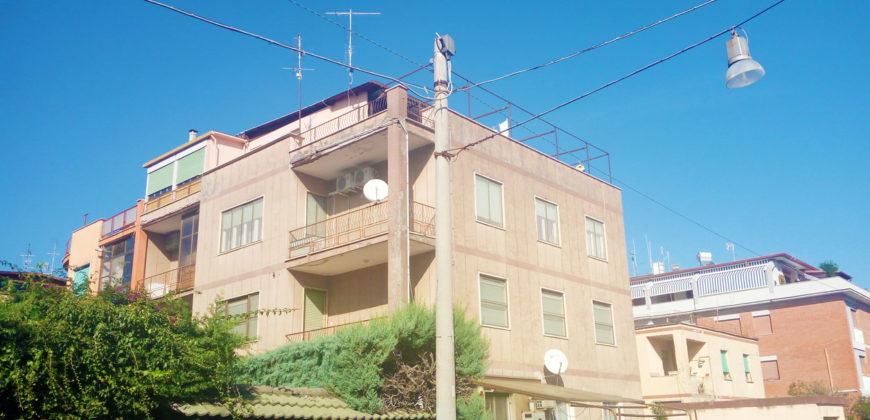 Appartamento Latina Via G. Cena